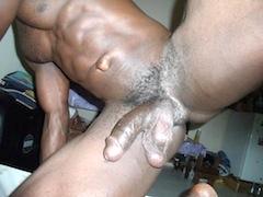 Les queutards africains se farcisse une petite brune - 3 part 2